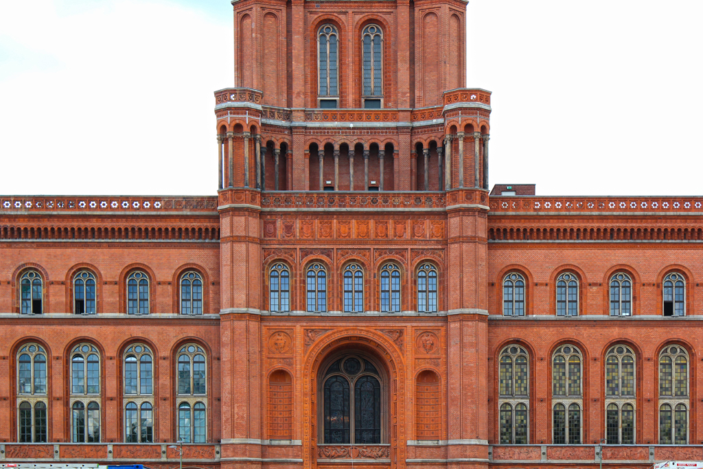 Rotes rathaus red city hall mitte berlin civic arts for Carports berlin