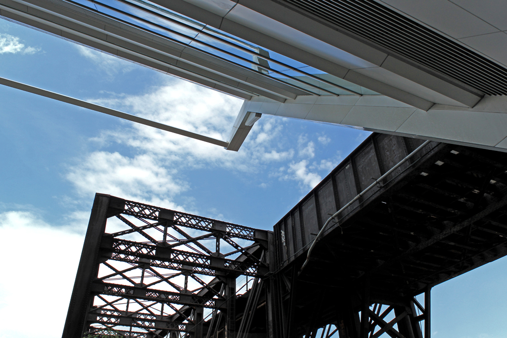 David L. Lawrence Convention Center and Fort Wayne Railroad Bridge, Pittsburgh