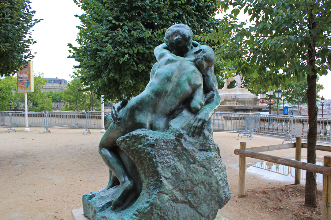 Le baiser the kiss tuileries garden paris civic arts for Le jardin de la france